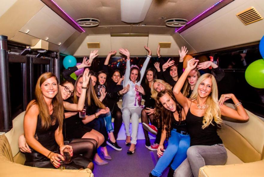 leanybucsu-program-partybusz
